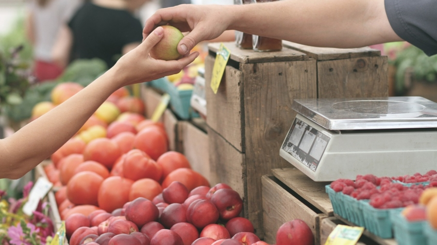 zakupy zero waste na targu