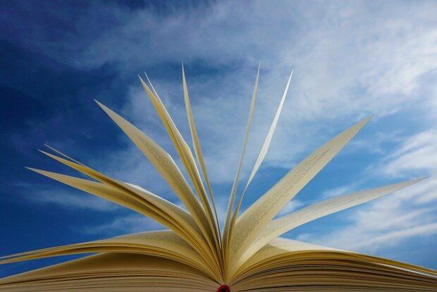 Książki popularnonaukowe dla dzieci i młodzieży by Kornelia Orwat